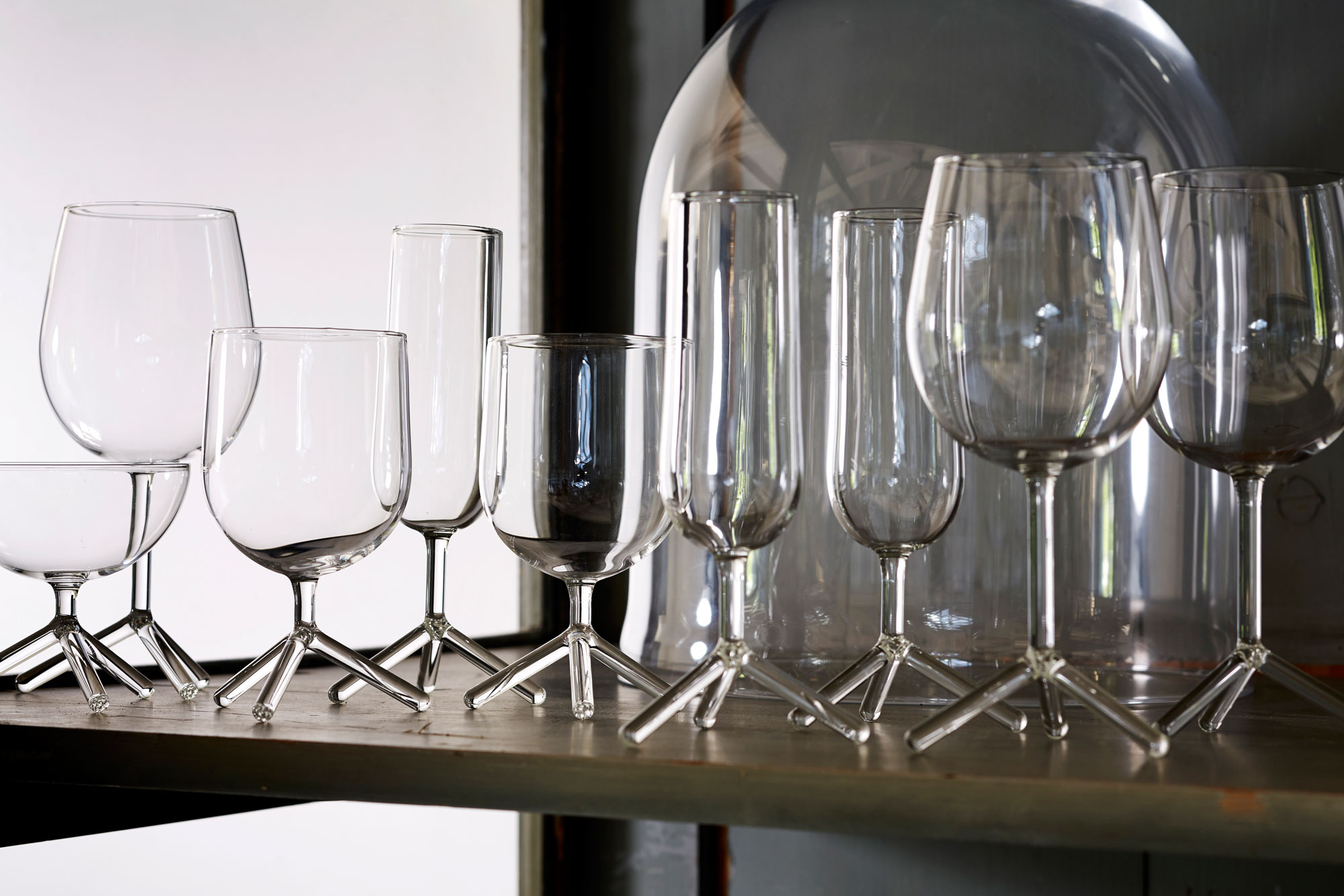 maarten_baptist_joine_tripod_wine_glasses_THmanufacture_louise_52701_web