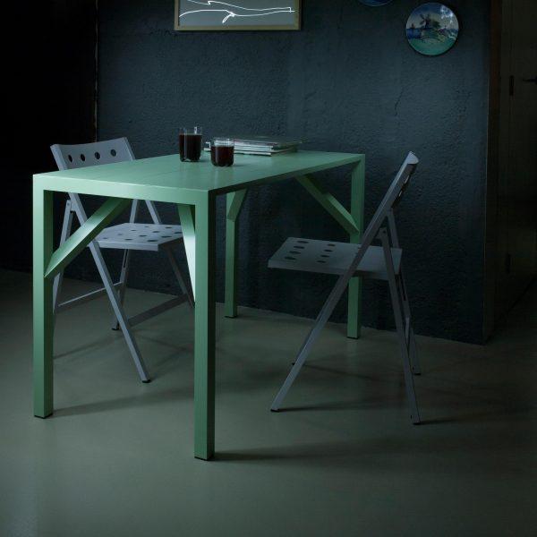YEAN aluminium table