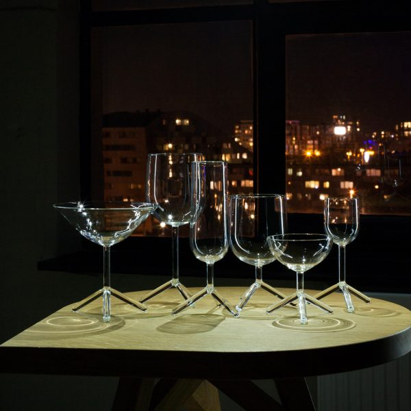LOUISE tripod glasses