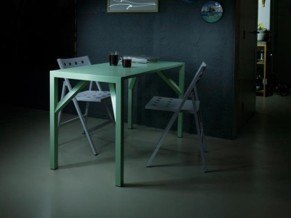 YEAN aluminium table